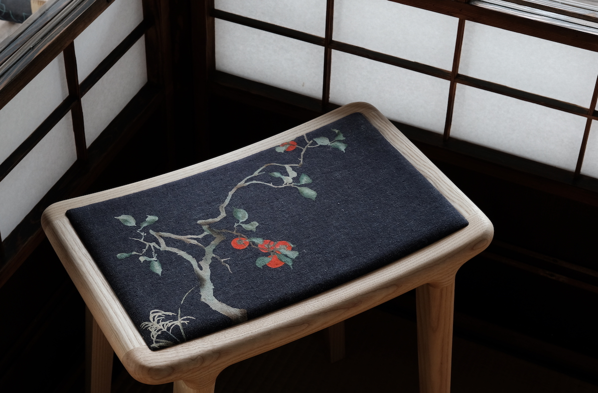 京都デニムの椅子