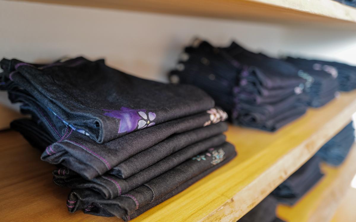 伝統工芸京友禅染めのジーンズ