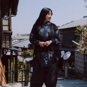 デニム切替ワイドシャツ|伝統工芸京友禅染め 添え桜文様金彩くくり(1点もの)