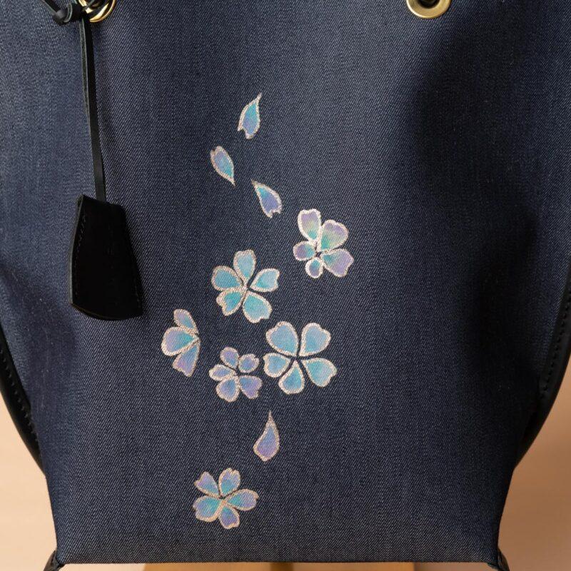 舟型ミニトートバッグ| 伝統工芸京友禅染め 青紫舞い桜文様金彩くくり(1点もの)