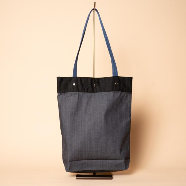 Denim tote bag | Flowing cherry blossoms (one-of-a-kind)